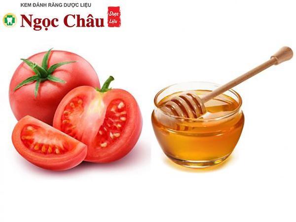 Cách làm trắng răng bằng cà chua và mật ong