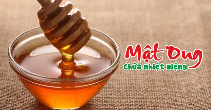 Cách chữa nhiệt miệng bằng mật ong ĐÚNG CÁCH & HIỆU QUẢ