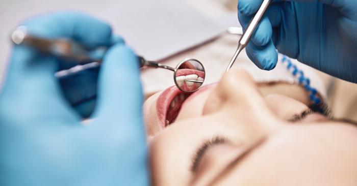 Ê buốt răng sau khi nhổ răng khôn có nguy hiểm không?